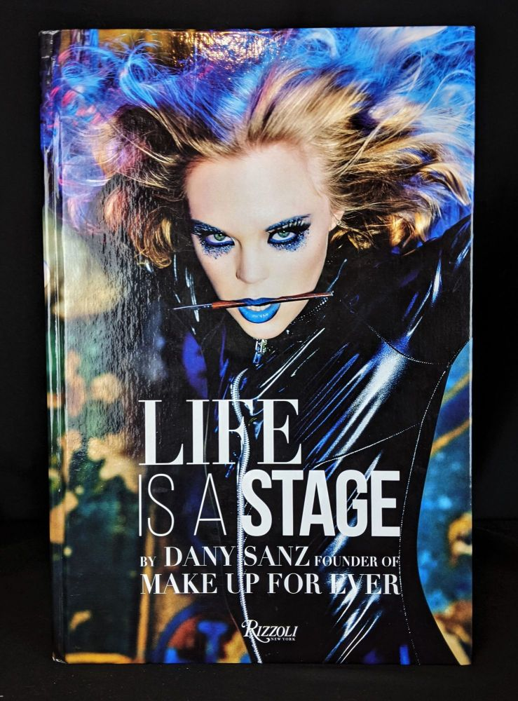 Life Is a Stage: Make Up For Ever. Dany Sanz.